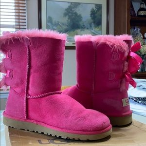 UGG boots: youth pink Bailey bow